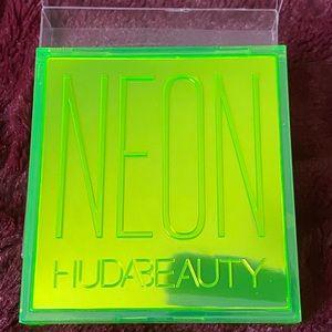 Huda Neon Green Obsessions
